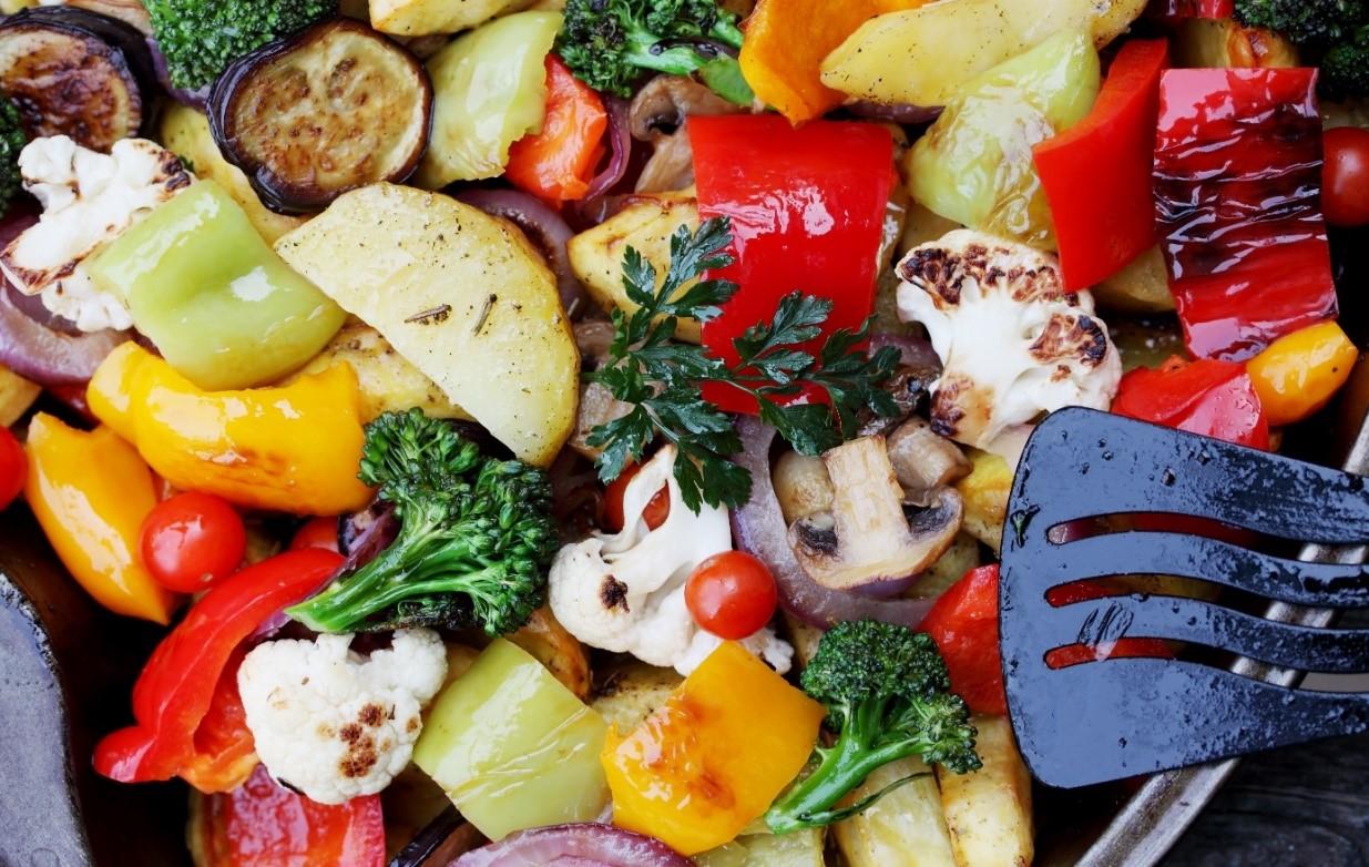 Gestoofde groenten in rode wijn-saus